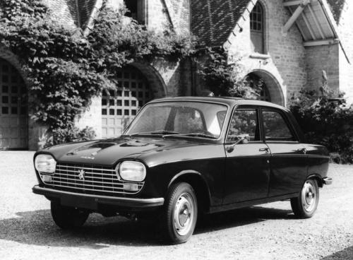 Peugeot celebra aniversário de quatro clássicos