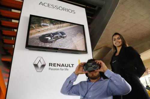 Renault Duster Oroch aparece em realidade vir…