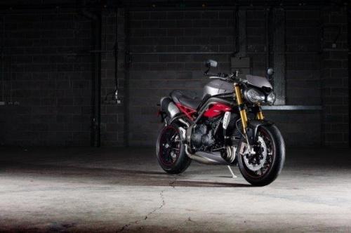 Triumph expõe quatro motocicletas 2
